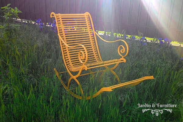 iron-wrought-furniture-garden